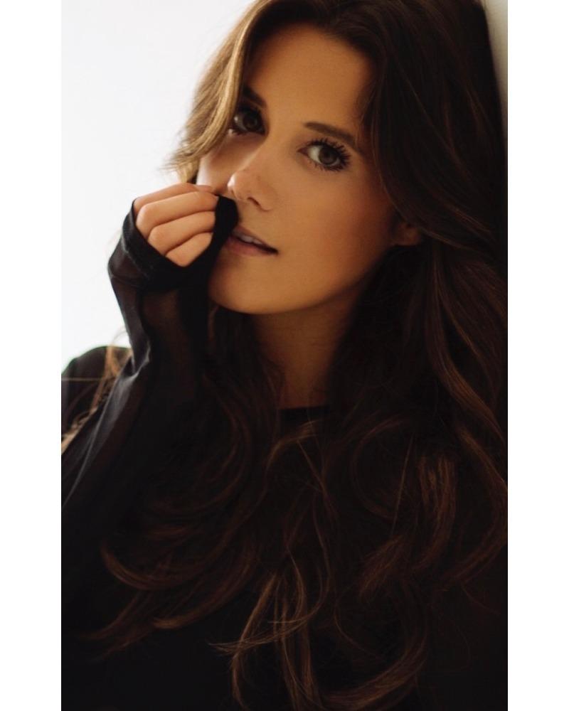 Melanie Blake Roth
