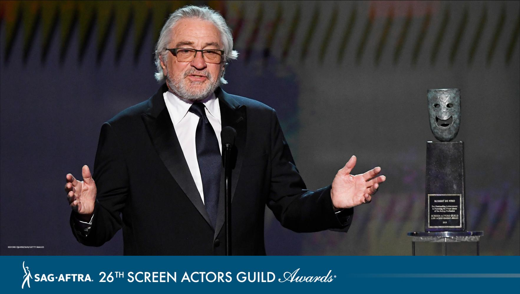 De Niro with his award on stage