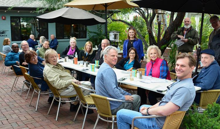 Members connect over coffee in Phoenix on the second Wednesday in November. Photo by Earl Smith