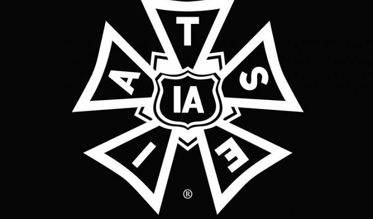 Logotipo IATSE en blanco con fondo negro