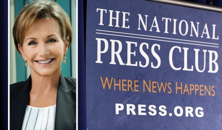 Disparo en la cabeza de Carteris a la izquierda con el logo del National Press Club a la derecha