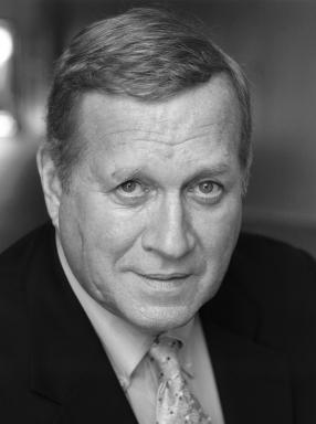 Ken Howard Headshot