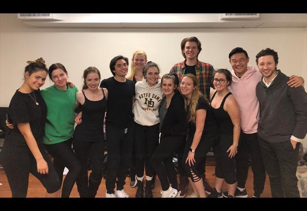 Stella Adler Estudio de estudiantes en funciones con comerciales del personal y organizador de #AdsGoUnion Adam Green, a la derecha.